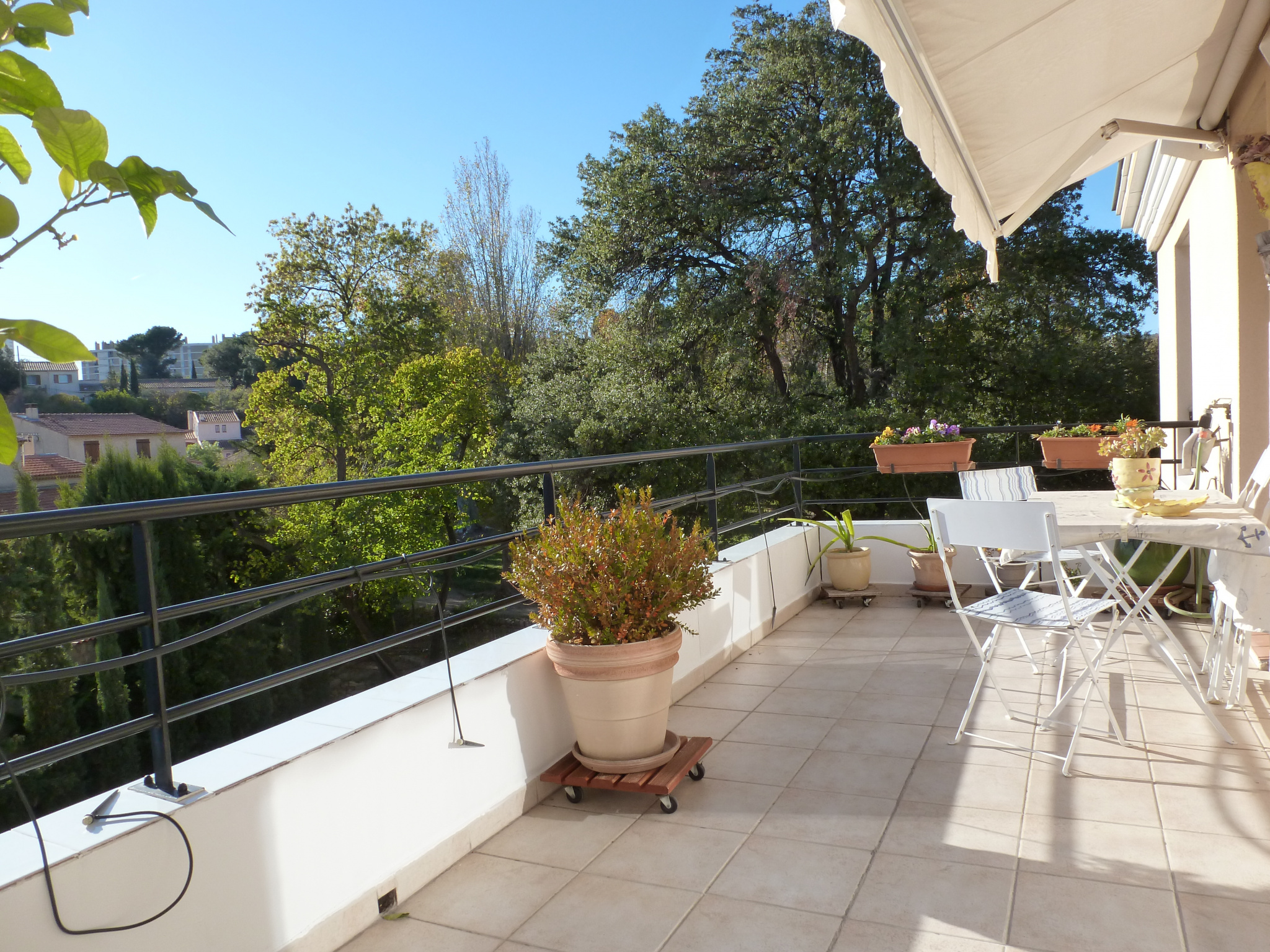 Vente appartement t4 terrasse parking garage marseille for Appartement t4 avec terrasse marseille