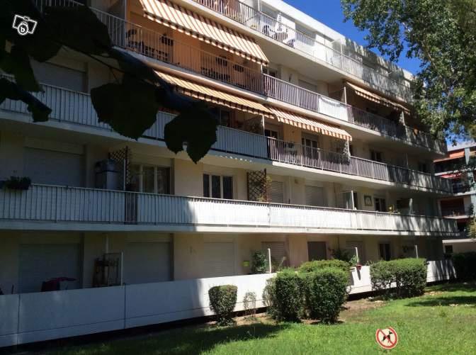 Location marseille 13 me centre ville et plus appartement for Garage marseille 13013